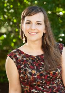 Adriana Baer headshot